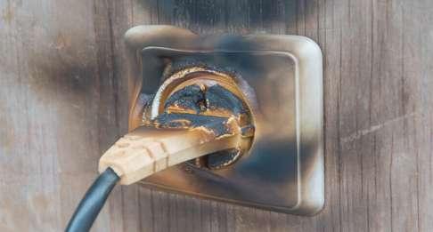 ¿Cómo prevenir un cortocircuito en casa?